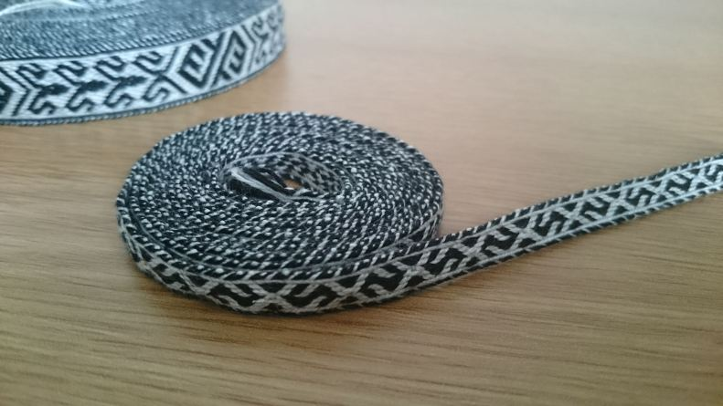 narrow trim in black and white thread
